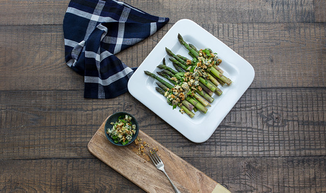 Asparagus With Blue Cheese Walnut Relish