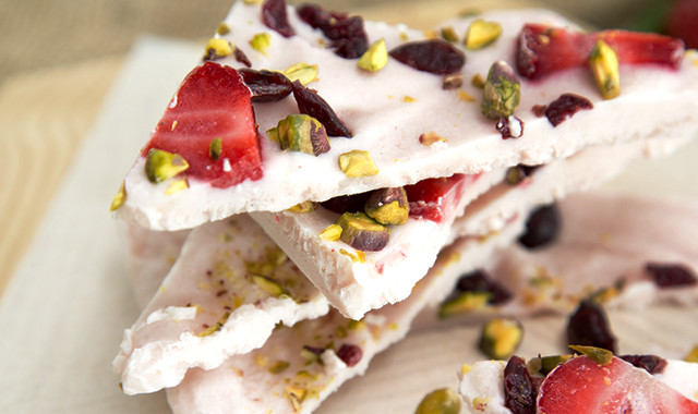 Strawberry cranberry brittle with pistachio
